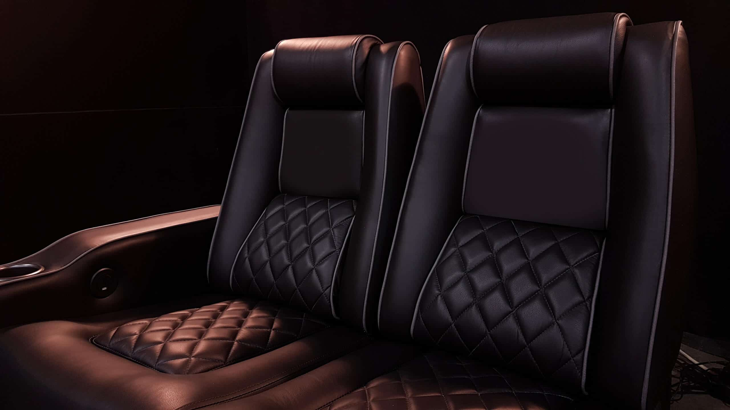 home_theater_chairs black leather c1 image