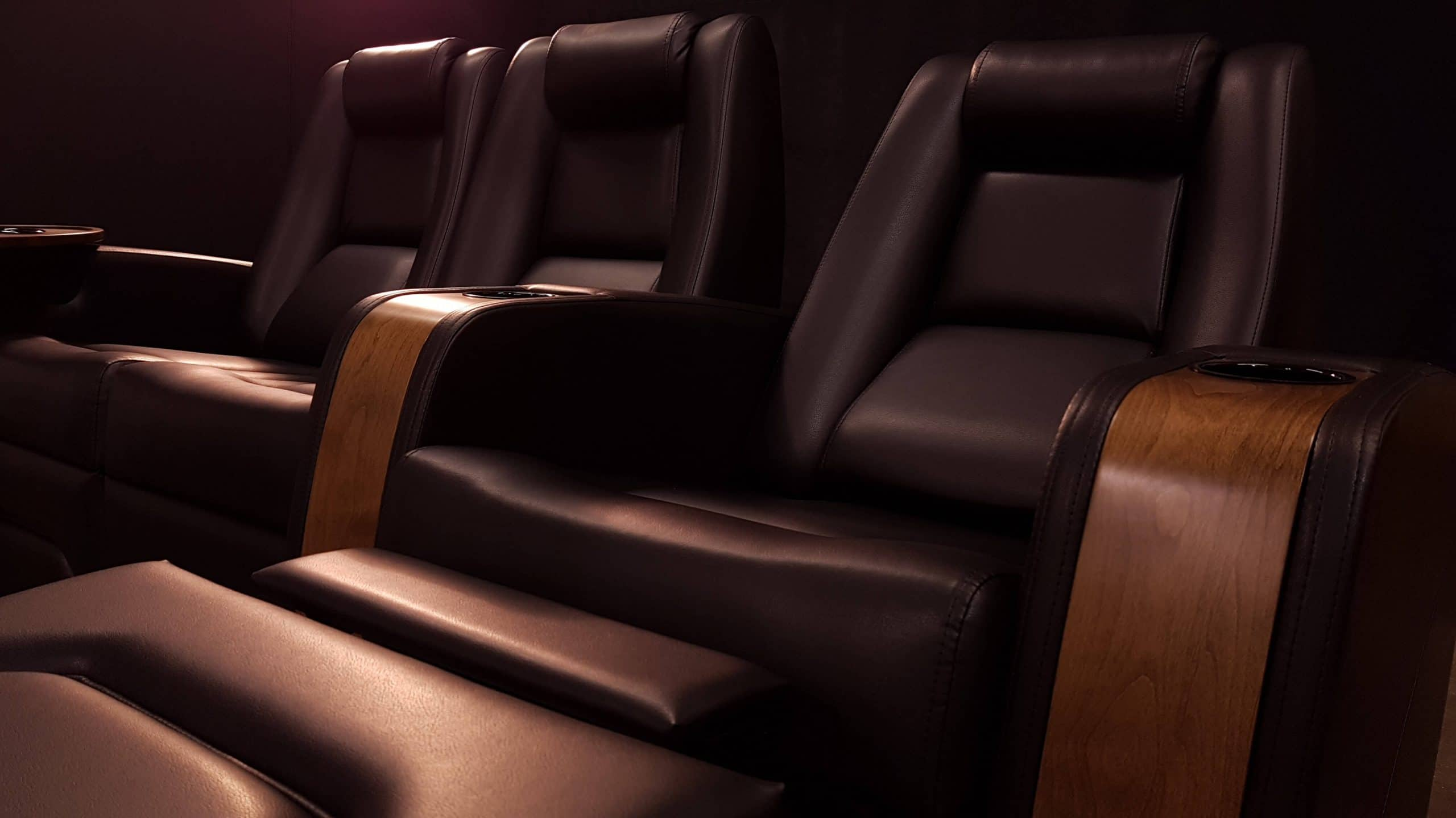 black_home_theater_recliner chairs
