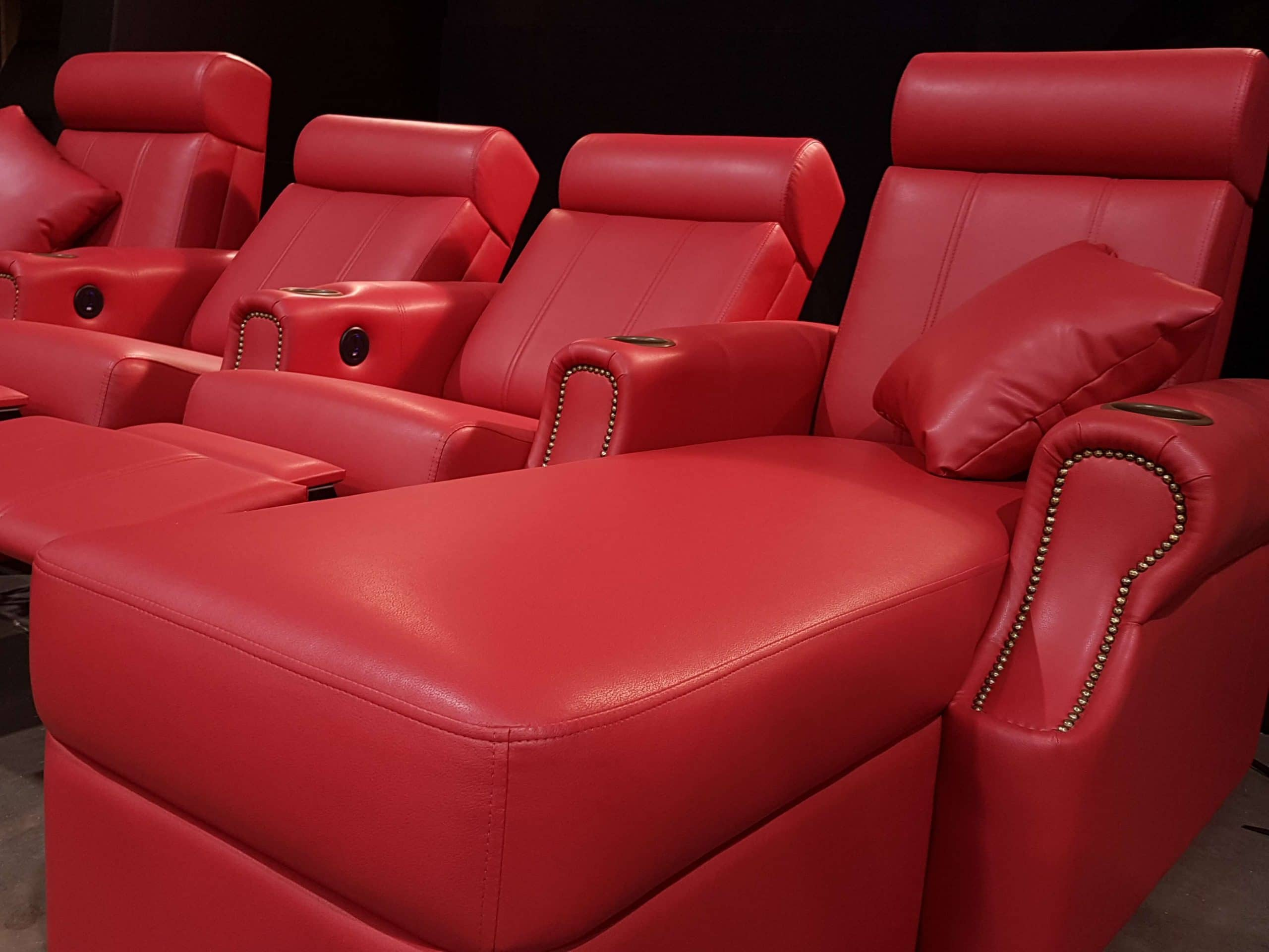 home_theatre_chaise red l9
