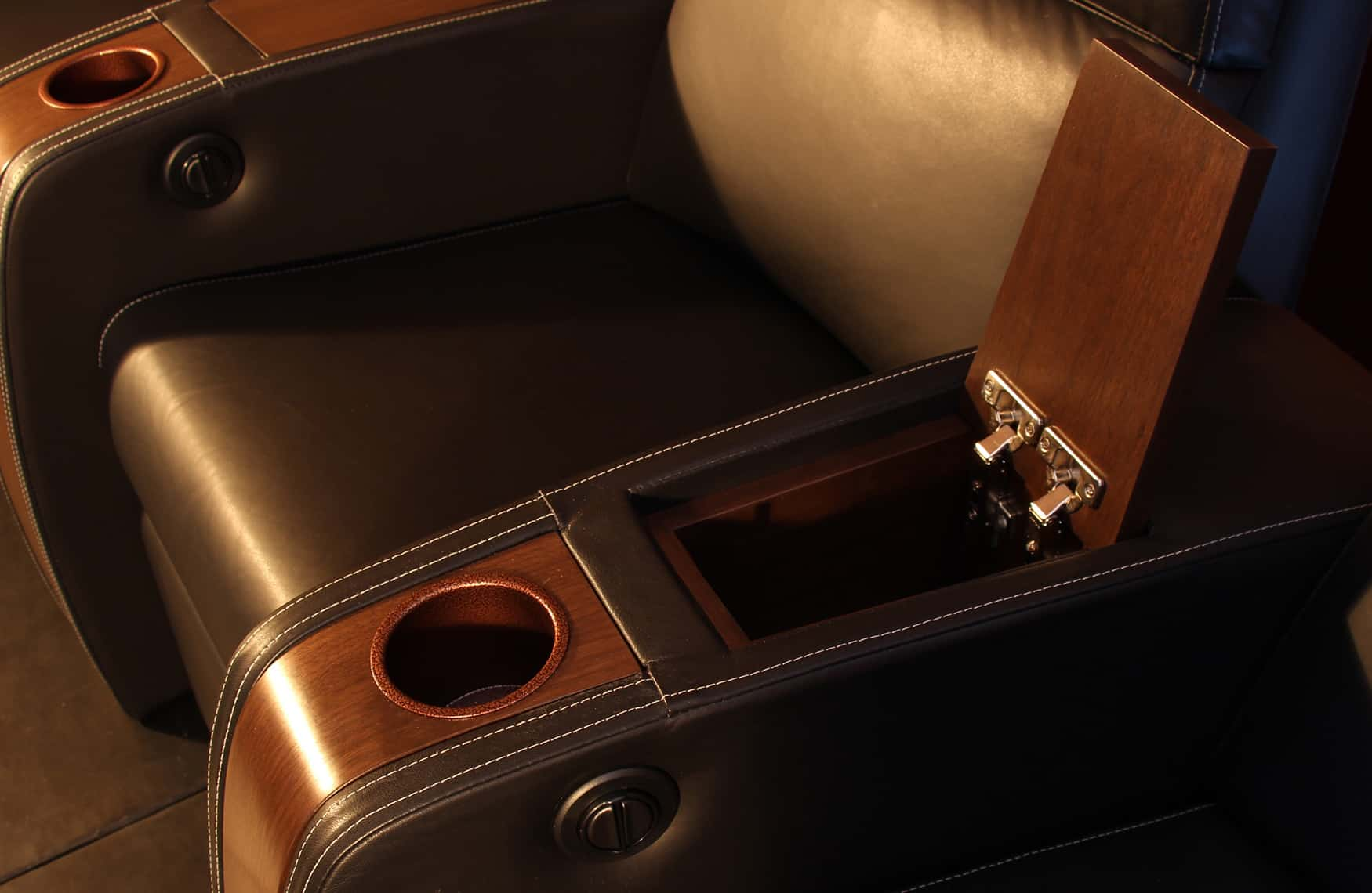 Home theatre chair compartment Elite HTS image