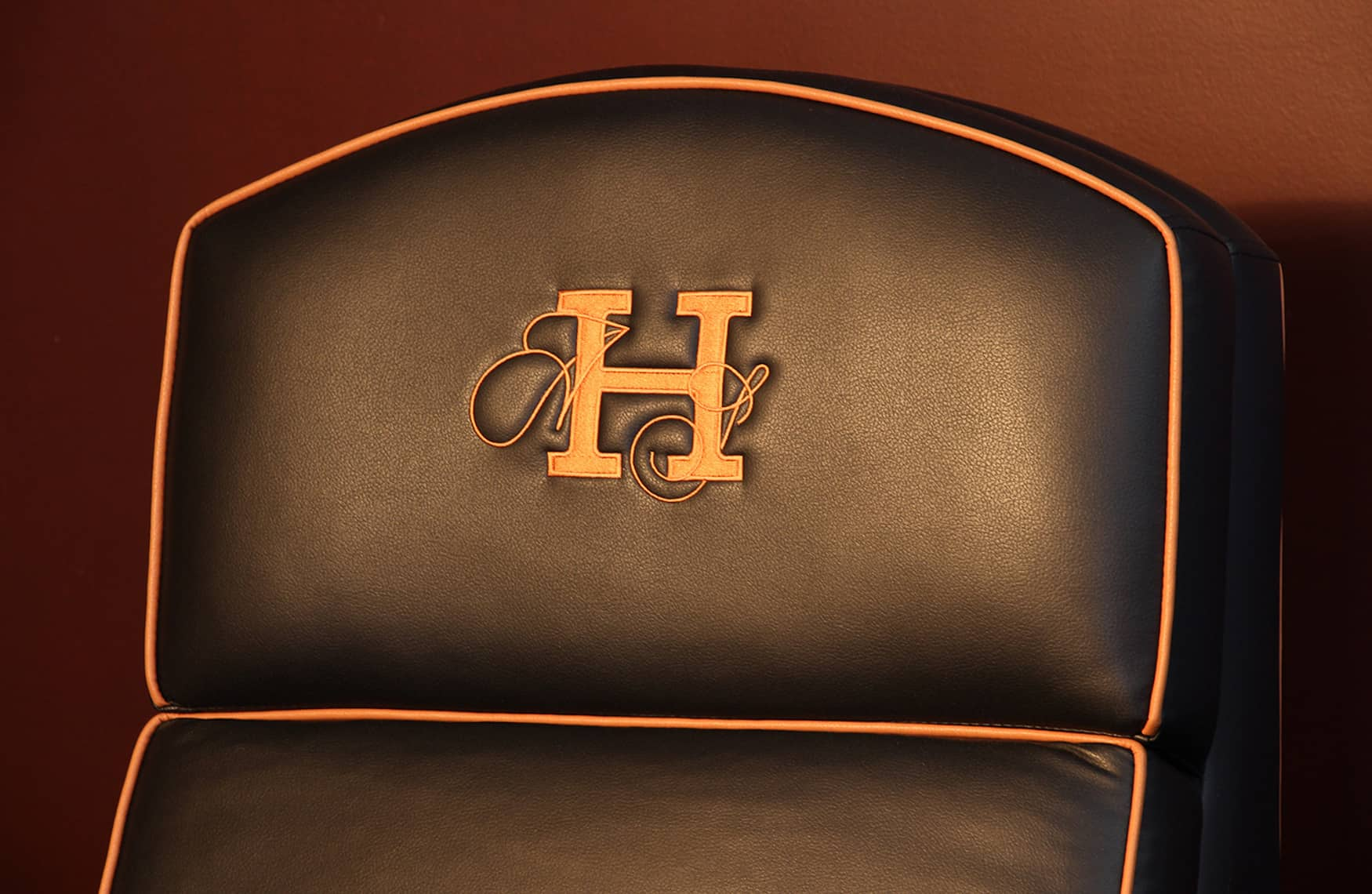 Home theatre seating Elite HTS logo image